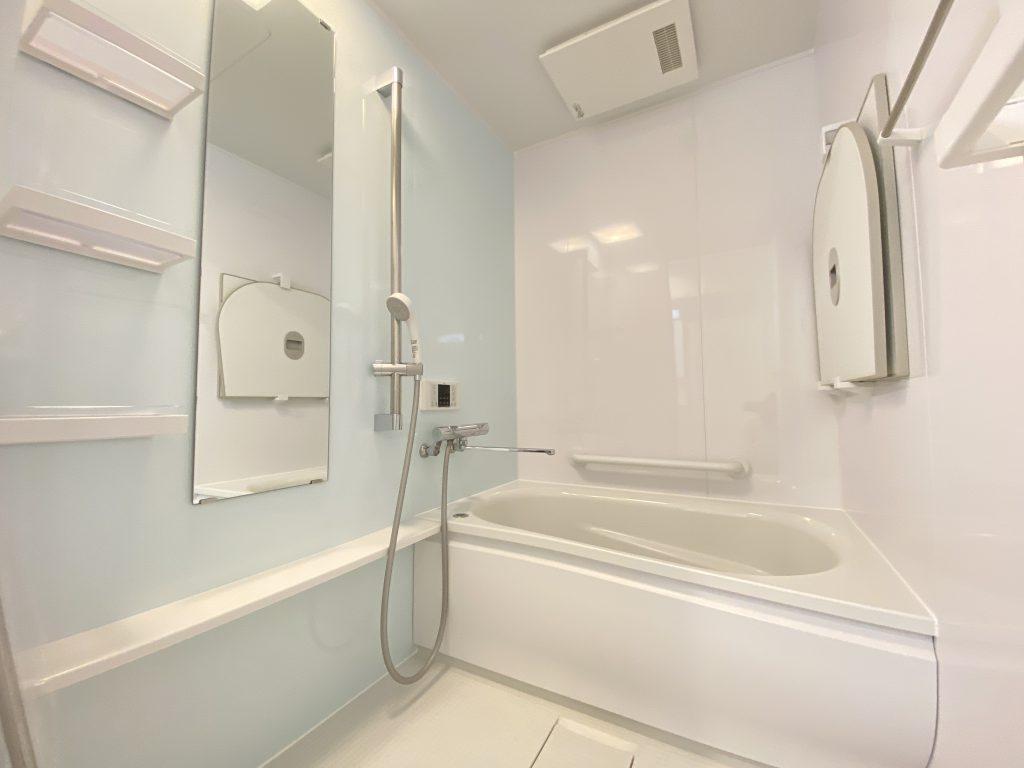 浴室換気乾燥機能付きの浴室です。