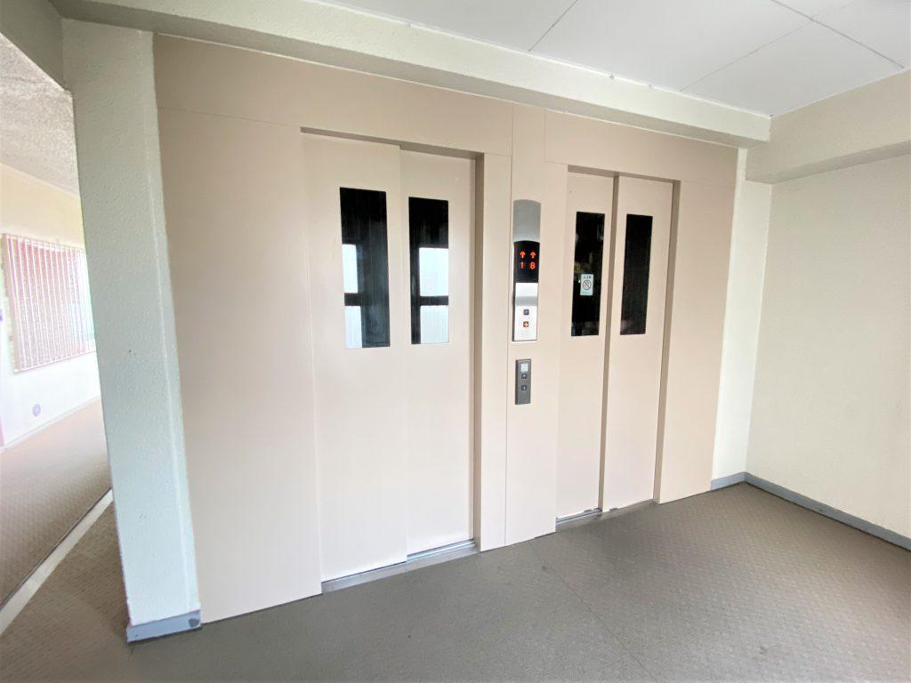エレベーターは2基あるので、昇降時に便利です。