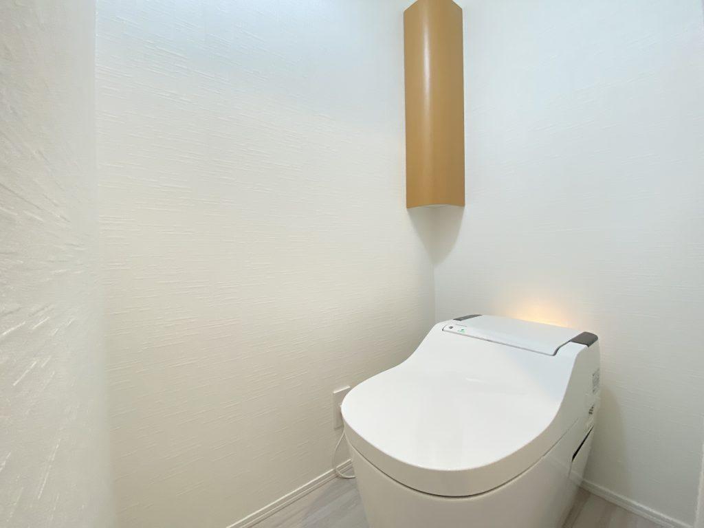 清潔感のあるトイレの様子です。