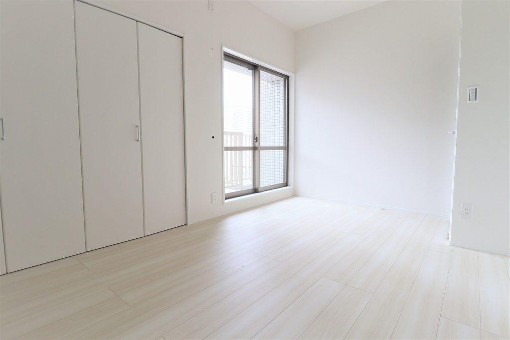 全てのお部屋がバルコニーに面しているので、日当たりも風通しも良好。快適にお過ごし頂けます。