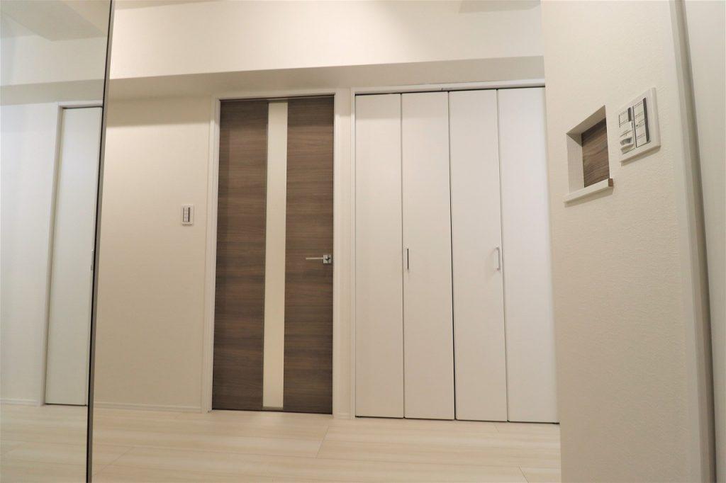 玄関にはシューズインクローク完備。戸建てのような広い玄関スペースです。