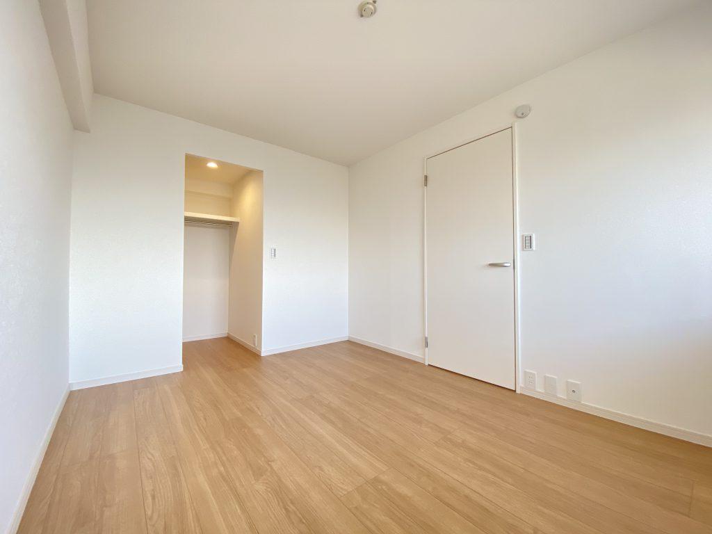 3部屋の洋室。全てのお部屋に収納完備していますので便利です。